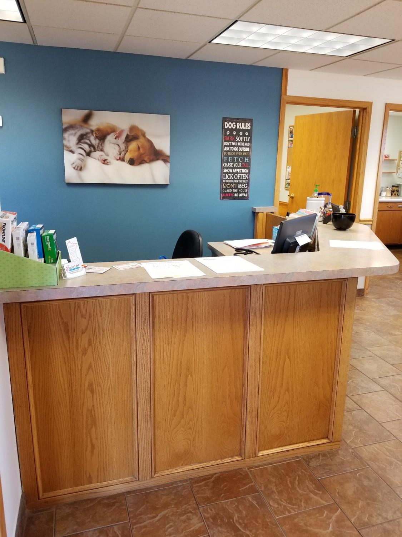 Dog Side | Apple Lake Animal Hospital | Veterinarian | Rosemount, MN 55068